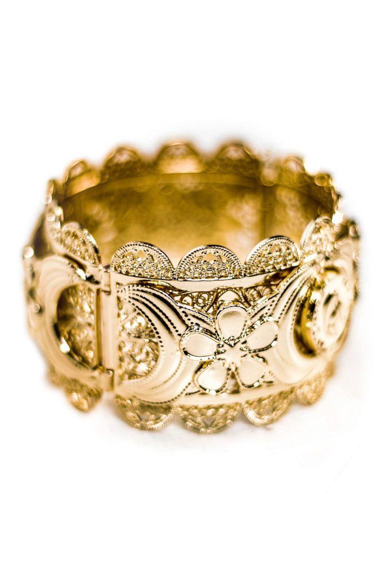 Bracelet manchette HENNAYA avec un look baroque inspiré des bracelets traditionnels du Maghreb.