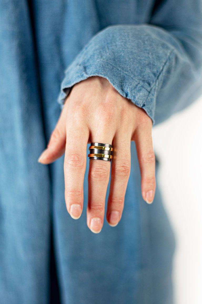 Duality ring-Bague Dualité-2-bague-argent-oxyde-2-en-1-davila-affaires-etrangeres-laiton