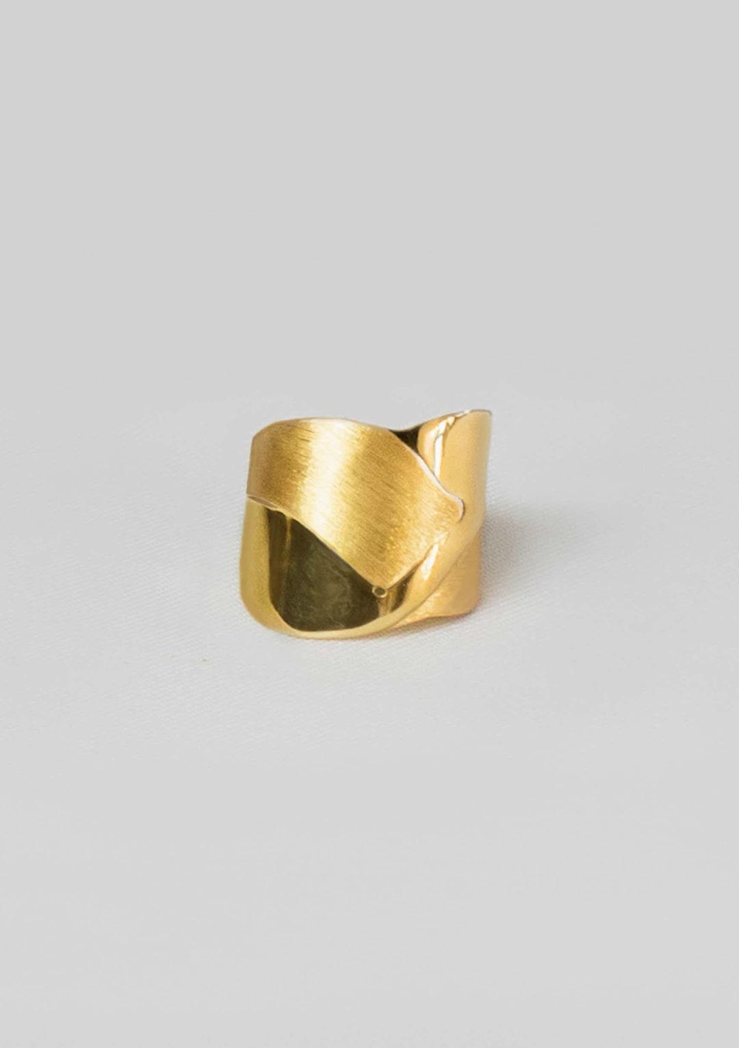 bague intemporelle bi-texturée I argent massif doré or 18 carats I Elliade bijoux I vue en détail I Label AÉ Paris