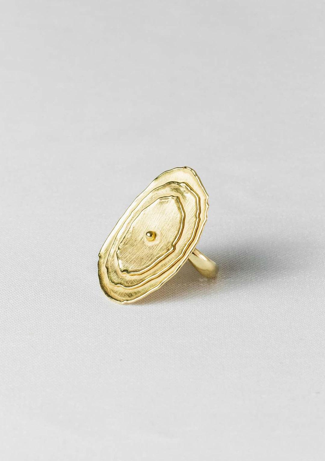 Bague réglable ovale Soleil I argent massif doré à l'or 18 carats I Elliade I vue de face I Label AÉ Paris