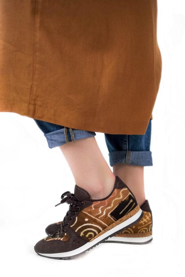 Baskets en coton bio – Motif/marron – Vue de profil | Label AÉ