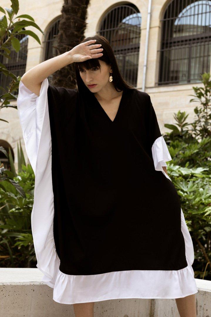 Robe en soie caftan à volent – Noir/blanc | Label AÉ