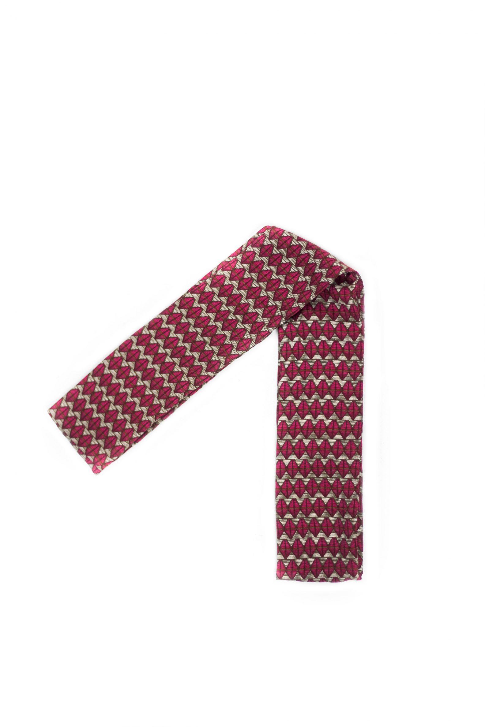 1-foulard-ucycling-affaires-etrangeres-artisanat-label-fabrique-a-paris