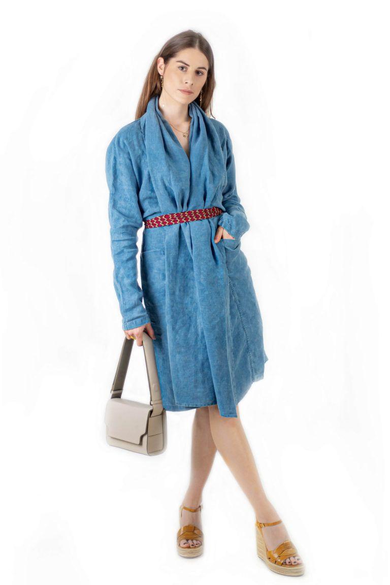 Longue veste kimono et écharpe 100% lin de la maison Bleu de Cocagne teintée à la main au pastel naturel en France.