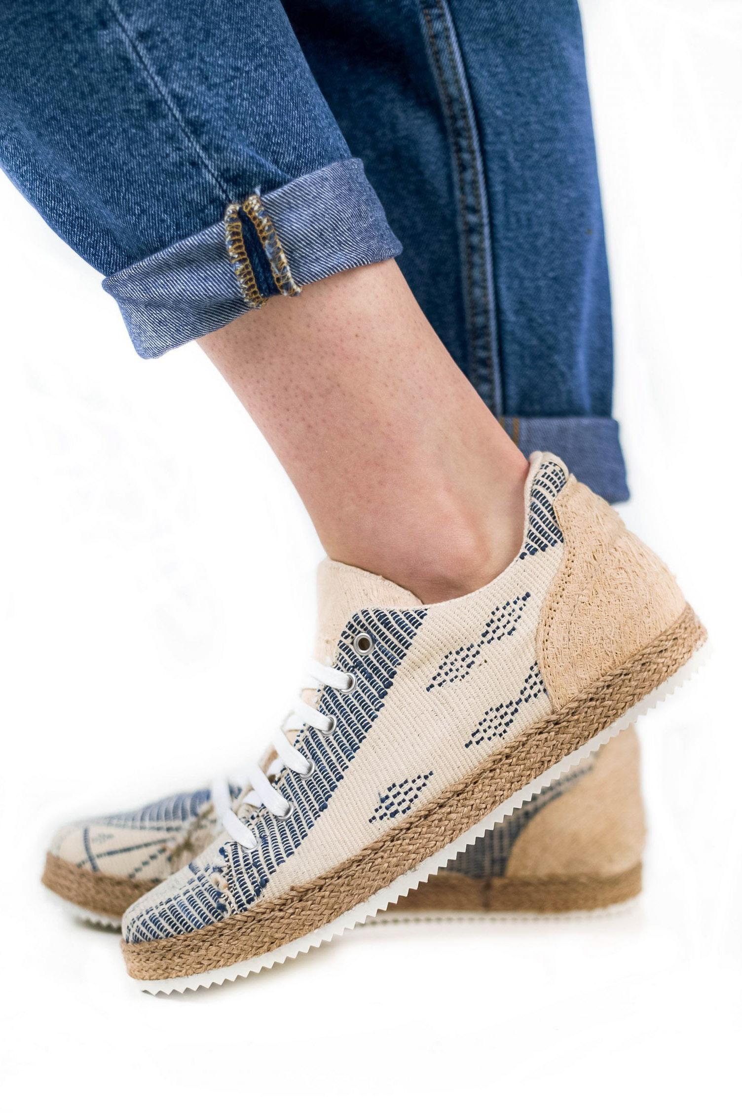 Baskets confortables manjak – Unisexe – Vue de profil | Label AÉ