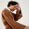 Manteau long camel oversize en laine par le créateur Tremblepierre. chez AFFAIRES ÉTRANGÈRES - 5