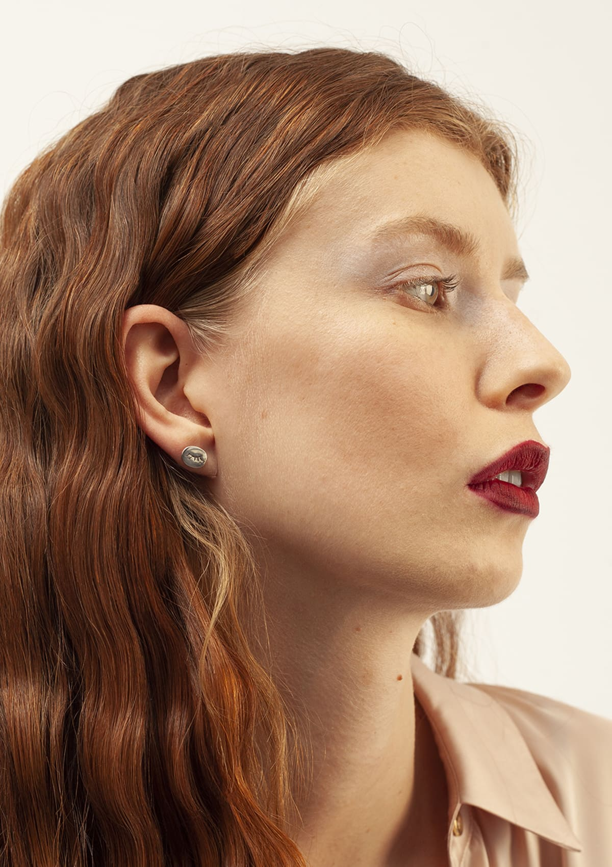 Puces d'oreilles I En argent massif I Vu de profil I Nina.Janvier I Label AÉ Paris