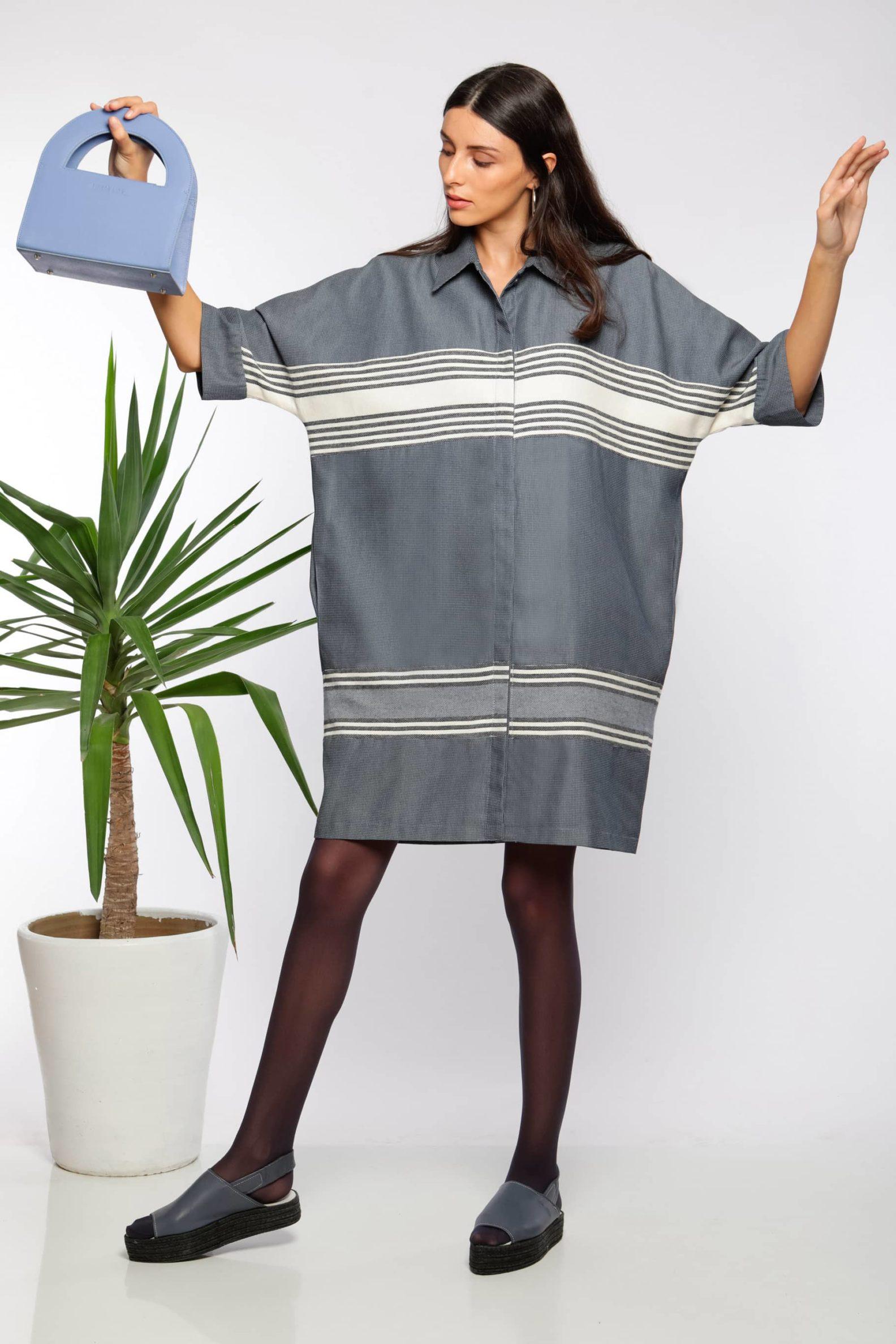 Robe chemise midi I En coton tissé à la main I Anissa Aïda I Vue en mouvement I Label AÉ Paris
