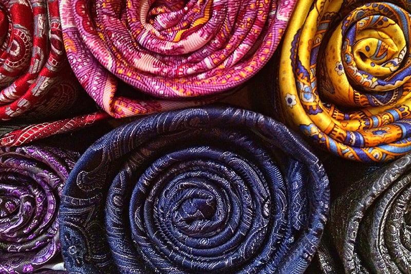 rouleaux de tissus en soie