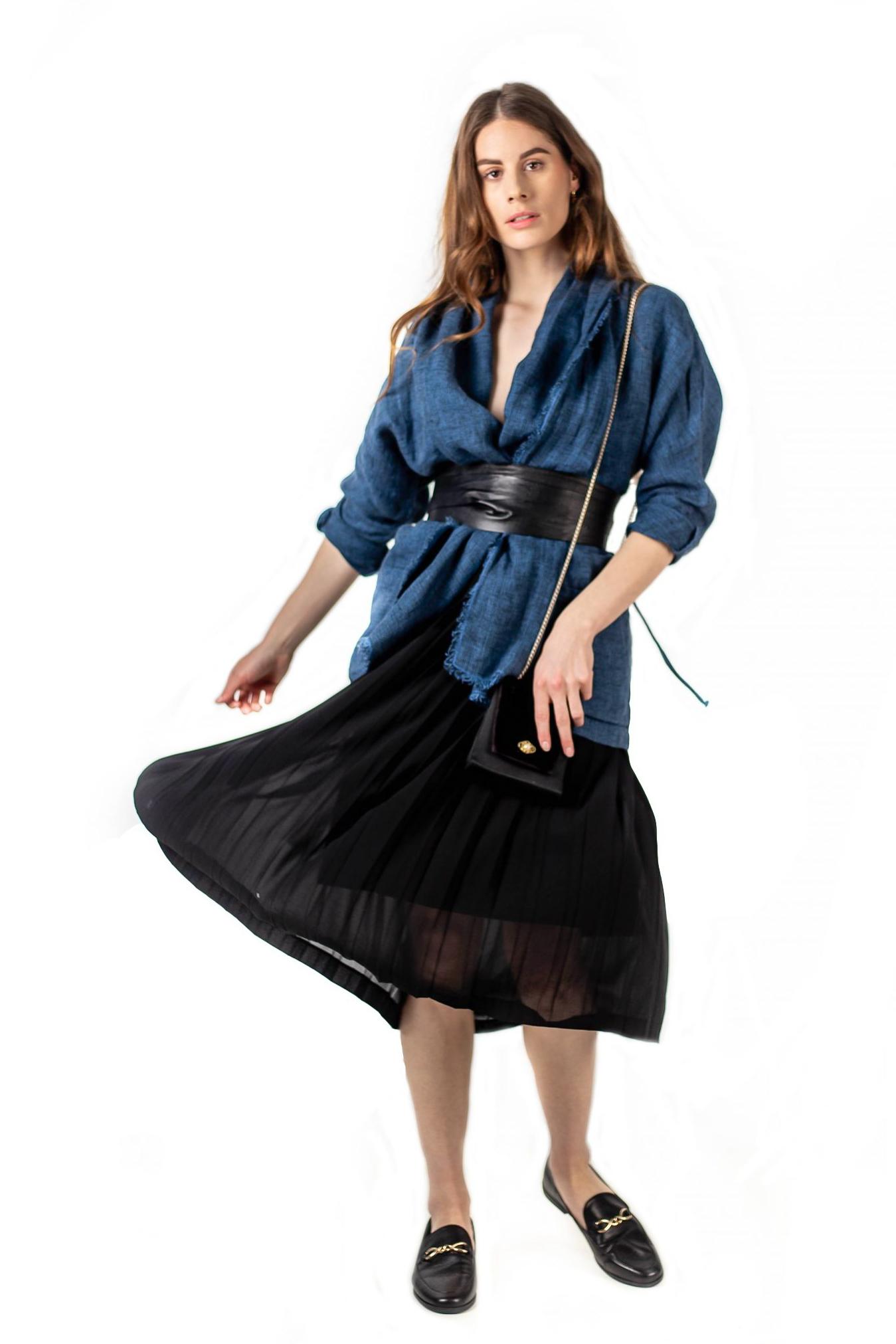 Veste kimono 100% lin avec deux poches latérales de la maison Bleu de Cocagne.
