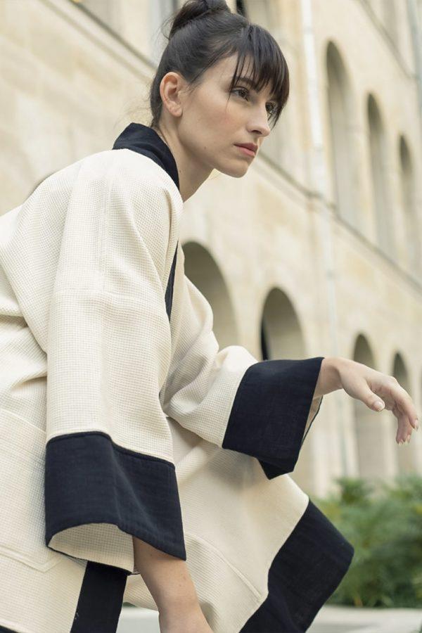 Veste kimono beige et noir